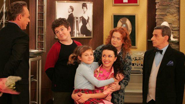 «Моя прекрасная няня» 10 лет спустя: как звезды сериала воспитывают детей