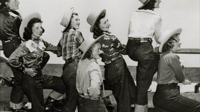 7 предметов женского гардероба, которые когда-то были рабочей одеждой.