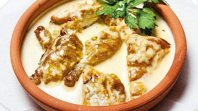 Чкмерули - это очень вкусное блюдо грузинской кухни