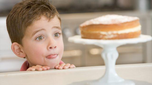 Ограничение сладкого улучшает здоровье ребенка за несколько дней
