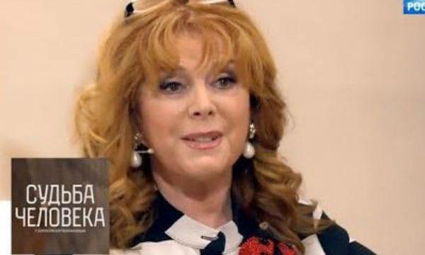 Клара Новикова призналась в алкоголизме
