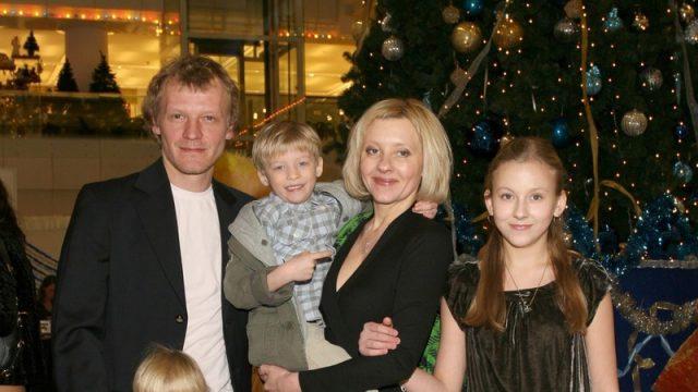 Алексей Серебряков впервые рассказал о приемных детях